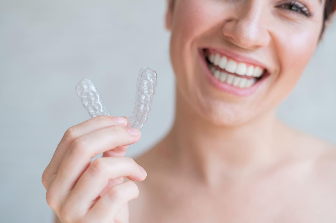 Tratamento-Ortodôntico-Aparelho-Invisível-Ipatinga-Dr.-Marcos-Clínica-Odontológica-AMA-